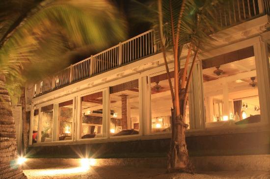 Restaurant du 20 Degres Sud : Sea facing windows of the restaurant at 20 deg sud