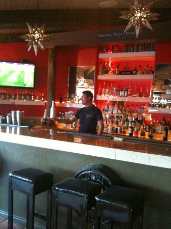 Rio Rancho, NM: Friendly bartender, showing off his skills