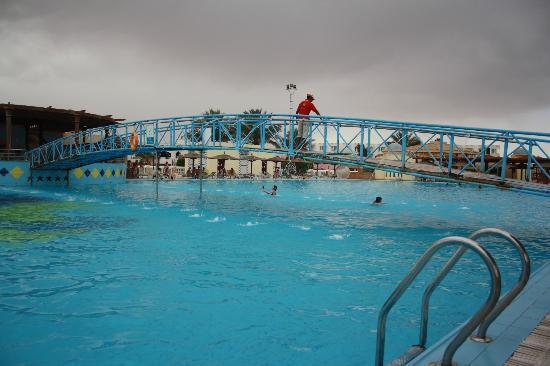 Golden 5 Diamond Resort: Am Pool
