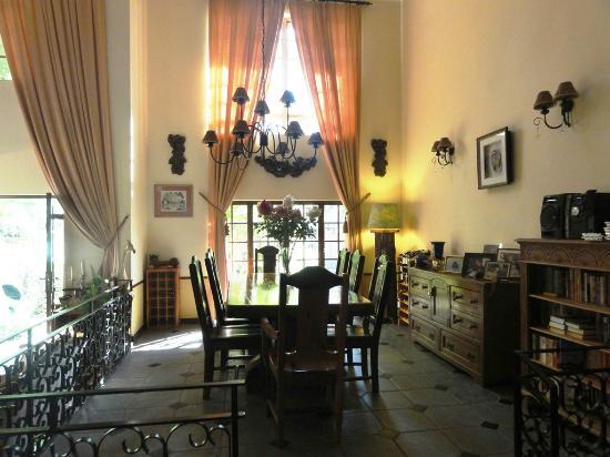Anna's Bed & Breakfast: Dining hall / living room
