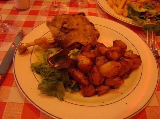 Hostellerie de l'oie Qui Fume : Delicious confit de canard!