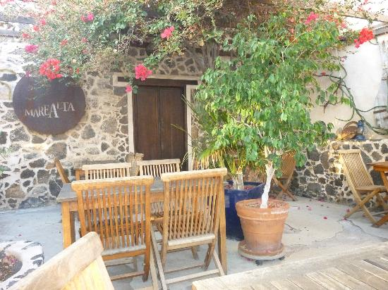 Mare Alta: indoor courtyard