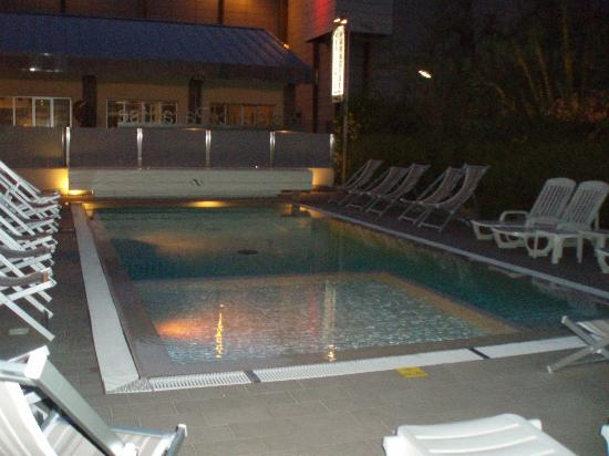 "Residence Paradise: ""Heated"" pool"