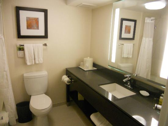 Wingate by Wyndham Los Angeles International Airport Lax: Salle de bain