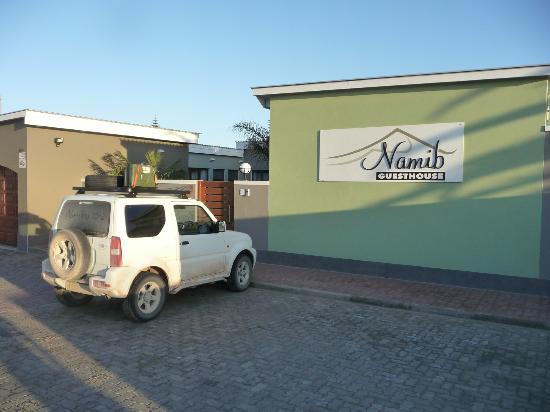Namib Guesthouse : Haus von aussen