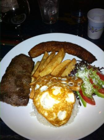 El Tule Authentic Mexican & Peruvian Restaurant: Bistec a lo Pobre