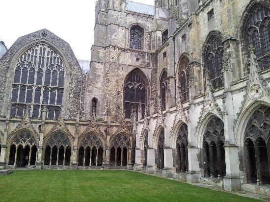 Canterbury Cathedral: Il chiostro