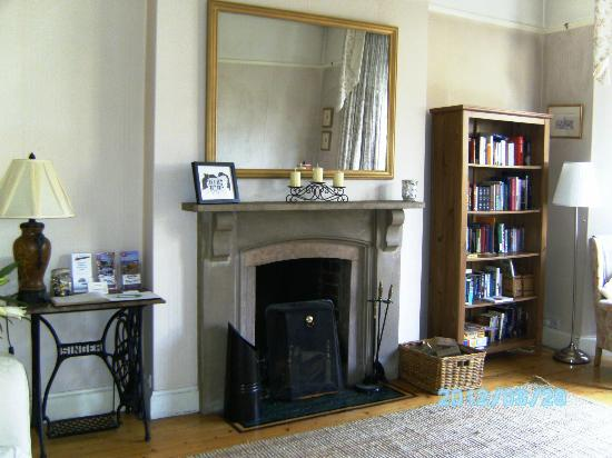 Camera Guesthouse: Sitting room