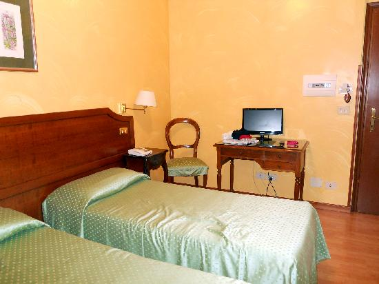 Hotel Fiori: Habitación doble