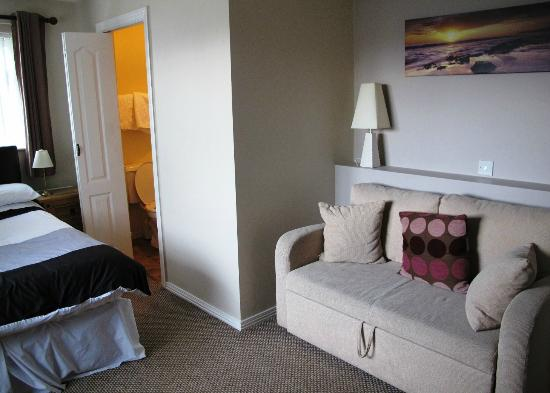 Abbey Bed and Breakfast: guest room