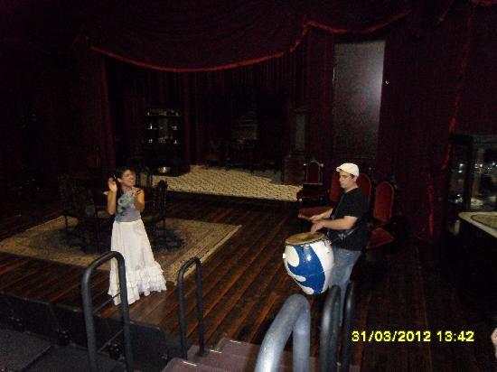 Teatro Solis: Aprecentacao de candombedentro do solis muito bom