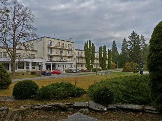 Kupele Hotel Palace: View of main entrance