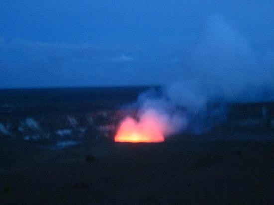 Kilauea Volcano Military Camp: Glowing Lava