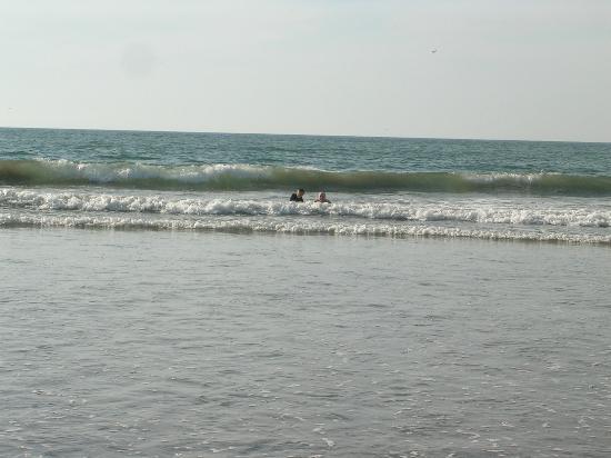 Pueblo Bonito Mazatlan: fun in the waves