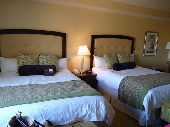 Omni Shoreham Hotel: Room with 2 beds