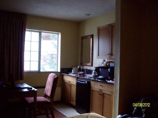 Comfort Inn Flagstaff: King Room Kitchen Area