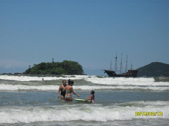 Balneário Camboriú, SC: isla y barco pirata