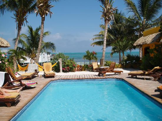 Seaside Cabanas: The pool. One of only 2 pools on the island!