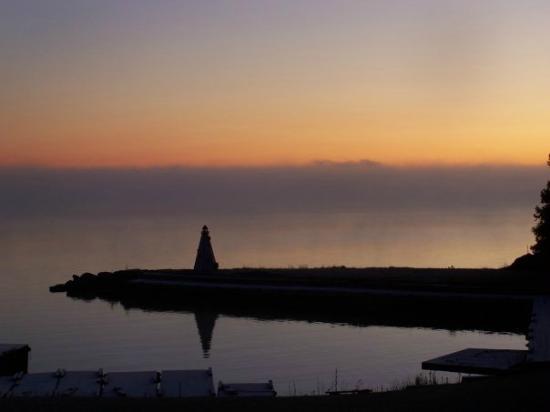 Black Rock Resort: Lighthouse Sunrise