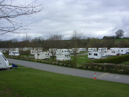 Bentham, UK: View of caravan park