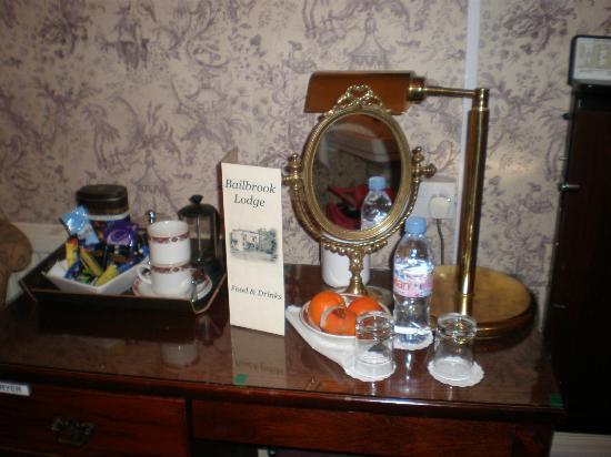 Bailbrook Lodge: clutter