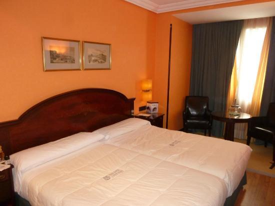 Sercotel Gran Hotel Conde Duque: A standard room