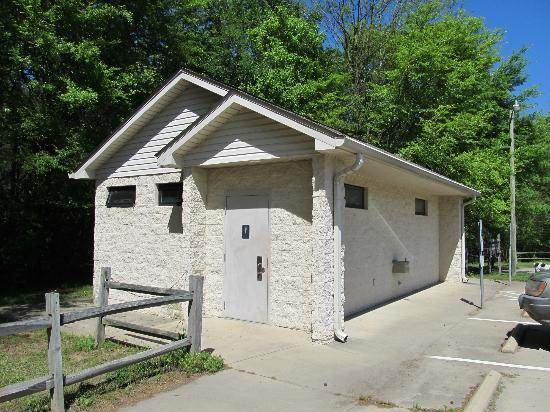 Pee Dee National Wildlife Refuge: Restroom building near the entrance