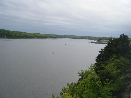 WorldMark Lake of the Ozarks : Looking west