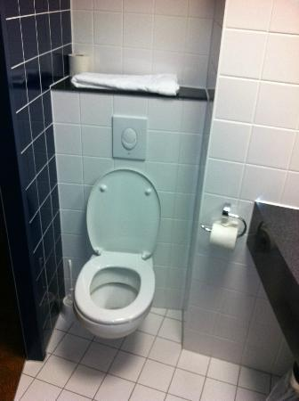 B&B Hotel Dresden: Toilette / Bad