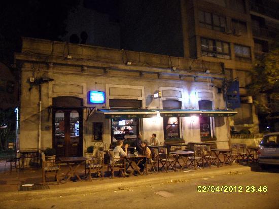 62 Bar: estilo antico servico moderno