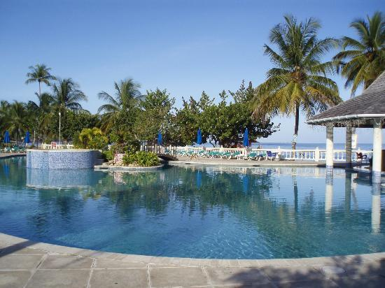 The Swimming Pool Picture Of Turtle Beach By Rex Resorts Plymouth Tripadvisor