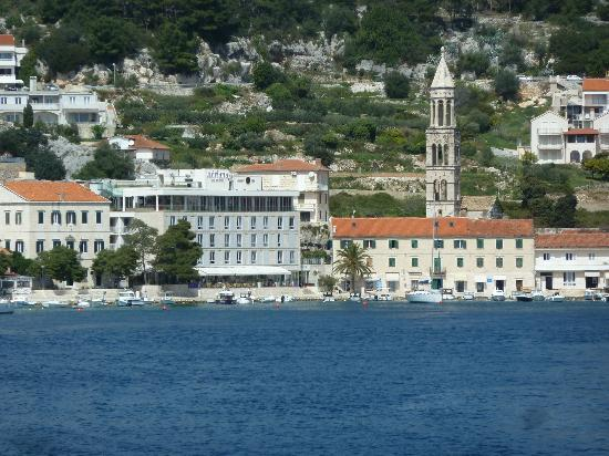 Adriana, hvar spa hotel: View from the water