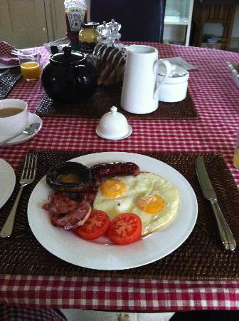 Manor Barn Bed and Breakfast: Gorgeous breakfast - 2nd course - full english!
