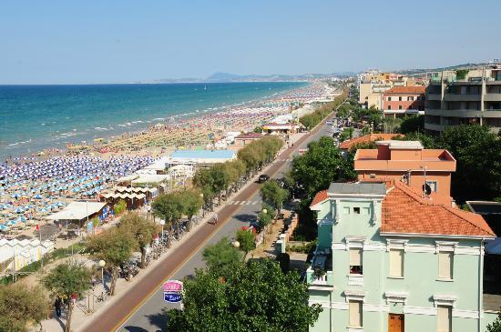 Hotel Senigallia: View from balcony