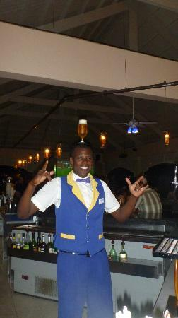 Iberostar Grand Hotel Bavaro: Fun and entertaining bartender at the Iberostar Punta Cana
