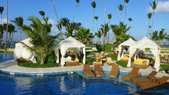 Iberostar Grand Hotel Bavaro : Pool area