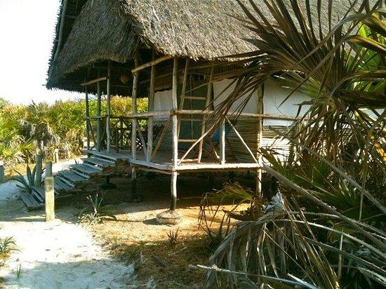 Ras Bamba Eco Lodge : One of the bandas
