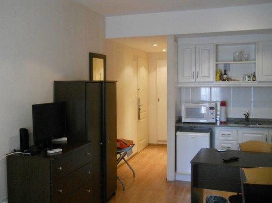 Ker Belgrano Apart & Spa: kitchenet en la habitacion