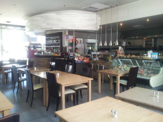 La Vetta Restaurant and Wine Bar: Good Bar