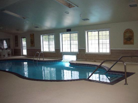 Best Western Rivertown Inn & Suites: Indoor/Outdoor pool