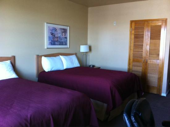 Inn At Port Gardner an Ascend Hotel Collection Member: Marina view room