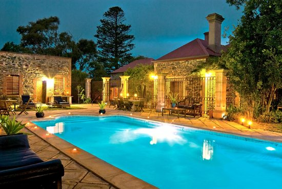 Authenticity Sanctuary Retreat and Transformational Center: Outdoor Pool and Spa Area