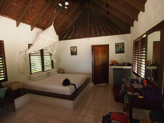 Breakas Beach Resort Vanuatu: The Fare interior