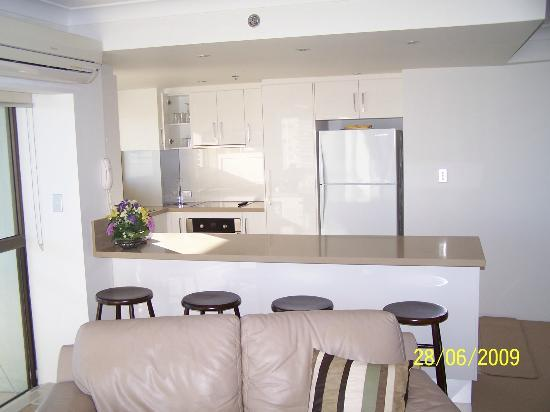 Gemini Court Holiday Apartments: Kitchen