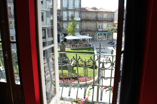 Porto Downtown Hostel: view from room