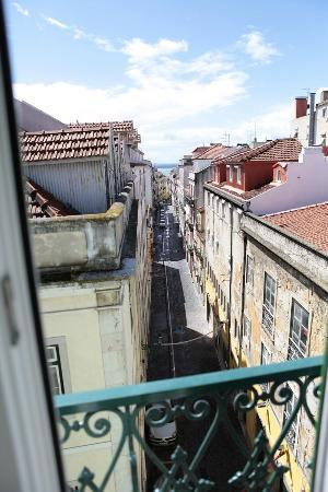 Lisbon Colours: Vue Balcon