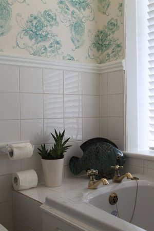 Morven Guest House: Bathroom