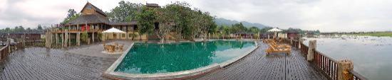 Aureum Palace Resort & Spa Inle : Panorámica desde la piscina