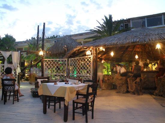 Gloria Maris Hotel: taras na którym serwowano posiłki