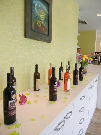 Design Hotel Romantick: Wines in restaurant Kopretina
